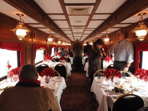 interior-dining-car-dinner-train-bardstown-kentucky