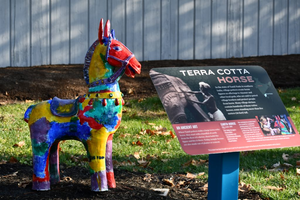 terra-cotta-horse-kentucky-horse-park-equine-sculpture-walk