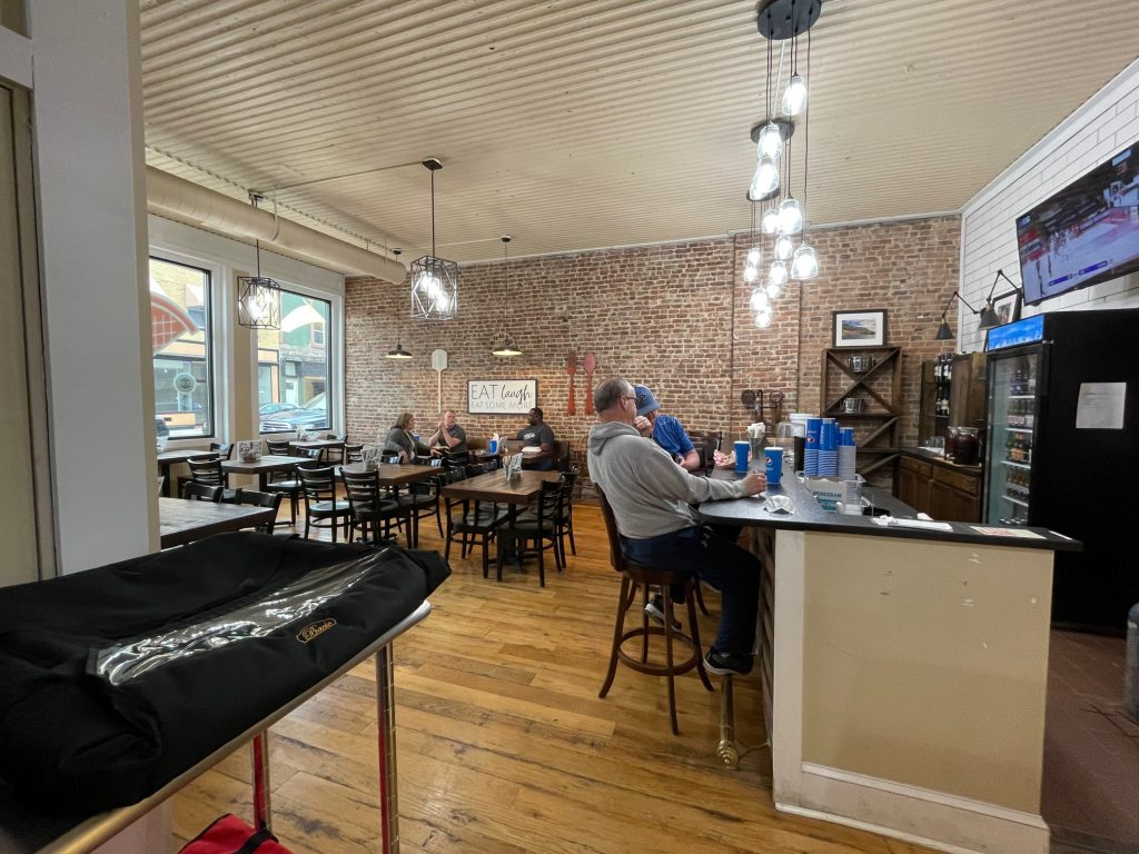 Dine in at The Pie in Paris KY